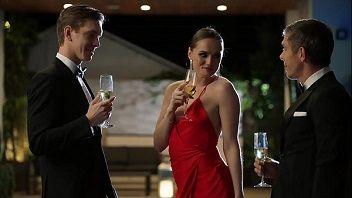Morena safada deu a xota para dois ao mesmo tempo em festa de casamento