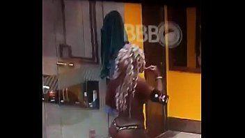 Adélia do BBB 16 Fica Bêbada em Festinha e Se Exibe Nua Em Frente às Câmeras Para o Brasil