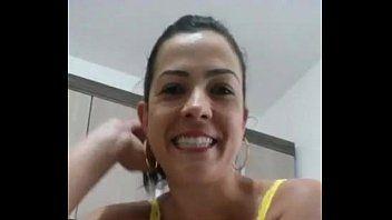 Esposa Coroa se Masturbando Gostoso em Vídeo Selfie