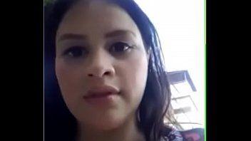 Esposa Gostosa da Venezuela se Exibindo Para Amadores na Rua