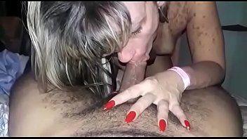 Kelly Loirinha Cadela Caindo de Boca no Seu Amigo Moreno