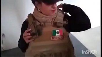 Policial da Força Civil de Monterrey Caiu na Net Fodendo