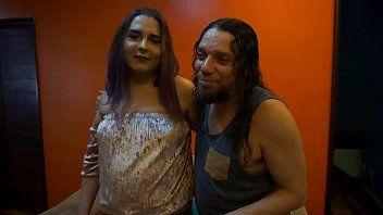 Bluezao Chamou a Trans Alice Hael Pra Fazer o Seu Primeiro Pornô