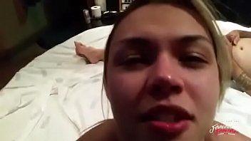 Fernandinha Fernandez Fez Ménage Com Clientes no Motel e Ganhou Muita Porra na Boca